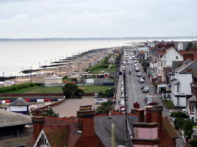 Felixstowe Seafront - Sea Road cc-by-sa/2.0 - © Tim Marchant - geograph.org.uk/p/3653357